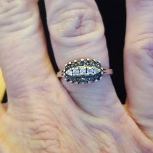 Jewelry - Simple sterling ring size 7.5